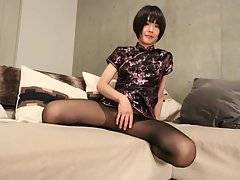 Yoko`s Plays in Pantyhose